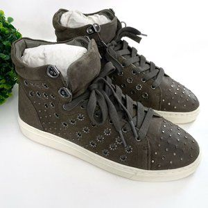 NEW Vince Camuto Bestinda Leather Stud Sneaker
